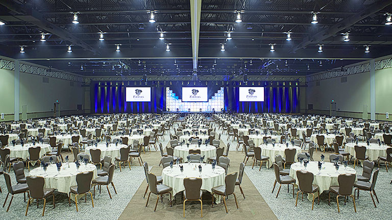 Kalahari ballroom with banquet style round table set up